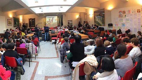 """""""Raccontiamo la guerra per insegnare la pace"""", incontro tra alunni e il cine-reporter Fezza"""